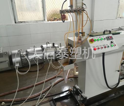 PE供水管生产线